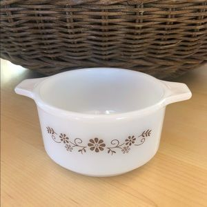 Vintage Dynaware PYR-O-REY milk glass brown daisy